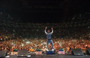 #AfroRepublik: Davido congratulates Wizkid on his 02 Arena London concert (Photos)