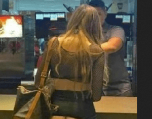PHOTO: Female Tourist Goes Out To Buy Food Without Panties!