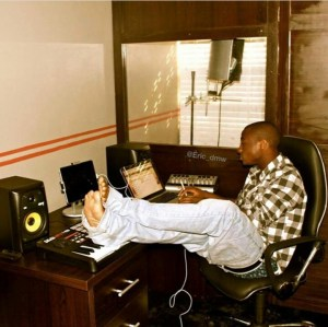 Check Out This Throwback Photo Of Davido In His Studio In 2012 (Photo)