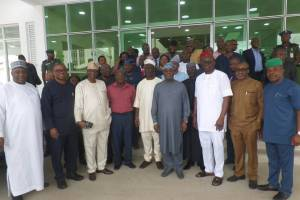 , Ekiti 2018: Fayose, Ihedioha, David Mark, Other Pdp Leaders In A Group Photo, Effiezy - Top Nigerian News & Entertainment Website