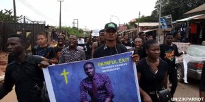, UNIZIK Students Protest Death Of A Final Year Student (Photos), Effiezy - Top Nigerian News & Entertainment Website