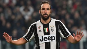 Transfer news: Chelsea agree £53m deal with Juventus on Higuain