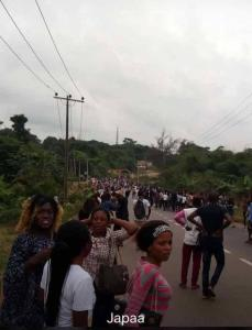 Students On The Run From Cultists In Ibadan Poly (Video)