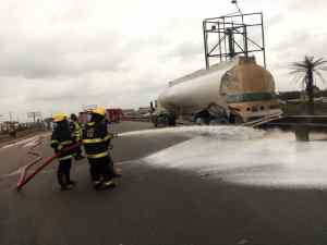 JUST IN: Fuel Tanker Spills Content On Lagos-Ibadan Expressway Causes Heavy Traffic (photos)