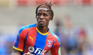 Wilfried Zaha confirms to teammates he is moving to Chelsea