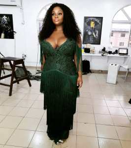 Toolz Looks Elegant In Cleavage-Baring Outfit
