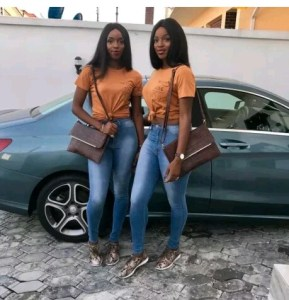 Check Out This Beautiful Identical Twin Sisters That Wear Same Cloths Everyday (Photos)