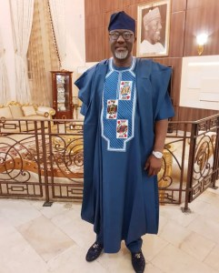 #AgbadaChallenge: Dino Melaye's Look To 'Merry Men' Premiere In Abuja