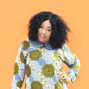 """""""Ladies, use your man's manhood to collect credit alert from him"""" — Nigerian actress Maryam Charles"""