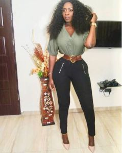 Fans Worried As Curvy Actress, Princess Shyngle, Flaunts Her Extremely Tiny Waist In New Photo (See Reactions)