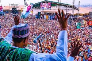 #PMB4plus4: Check out the massive crowd that welcomed Buhari to Ibadan, Oyo State (Photos)