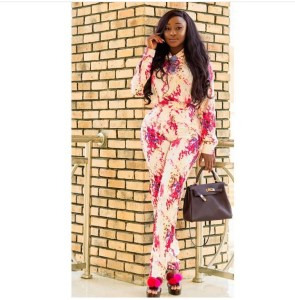 Ini Edo Shows Off Her Sexy Figure In Floral Print Outfit (Photo)
