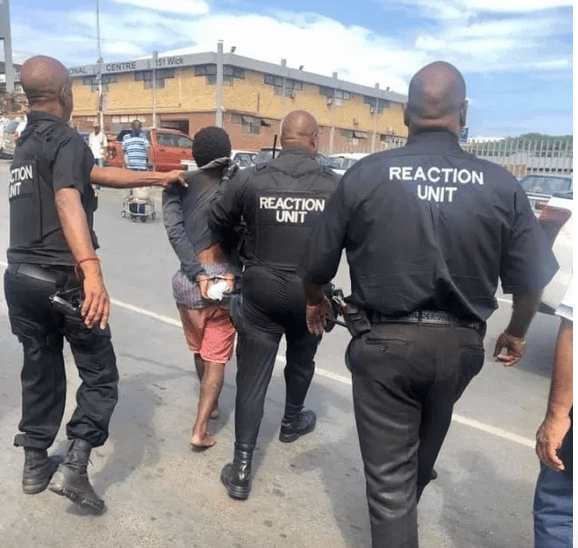, Teenage boy Nabbed By Security Agents While Trying To Steal A Vehicle. (Photos), Effiezy - Top Nigerian News & Entertainment Website