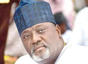 Oyo Lawmaker turns bouncer, walks out journalists from COVID-19 probe