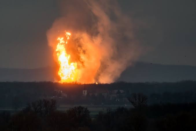 , Many feared dead as gas explodes in Isolo, Lagos, Effiezy - Top Nigerian News & Entertainment Website