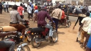 Police allegedly kill okada rider protesting hike in ticket rate.