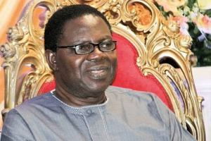 Ebenezer Obey says Only a foolish old man will marry a young lady