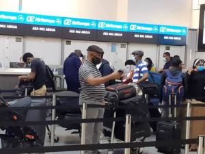 Evacuation: 327 Nigerians depart London for Abuja