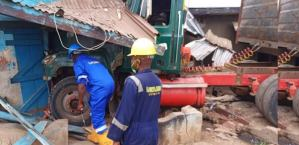 Truck crashes into residential building in Lagos