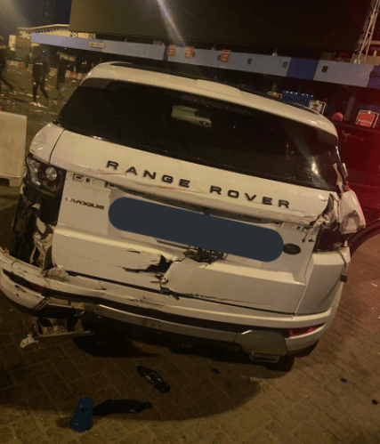 EndSARS Protesters Attacked By Hoodlums At Lekki Toll Gate, Their Cars Destroyed - trialer ram into protesters cars in Lekki 3