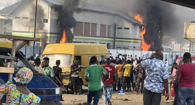 Hoodlums Set Orile-Iganmu Police Station On Fire
