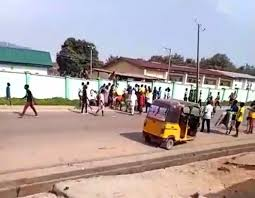 Hoodlums loot NYSC camp in Abuja (video)