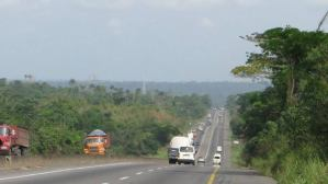 Passengers reportedly kidnapped on Lagos-Benin-Ore road (video)