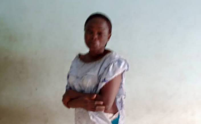 , Police nab female kidnapper, who attempted to abduct 3 school children in Ekiti, Effiezy - Top Nigerian News & Entertainment Website