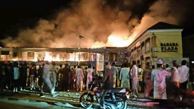 Goods worth millions destroyed as fire guts Bababa Shopping plaza in Bauchi, Goods worth millions destroyed as fire guts Bababa Shopping plaza in Bauchi, Effiezy - Top Nigerian News & Entertainment Website
