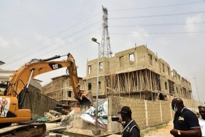 Lagos state govt demolish illegal properties in Banana Island (Photos)