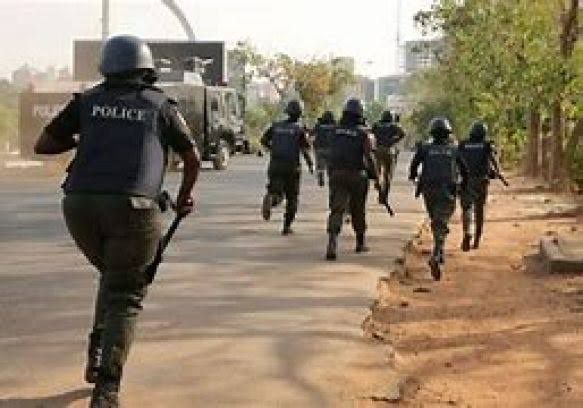 , Hoodlums attack police station in Aba, kill two officers, Effiezy - Top Nigerian News & Entertainment Website