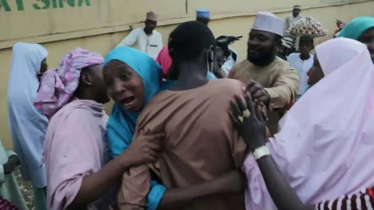 , Tears as Jengebe students reunite with parents in school where they were abducted (video), Effiezy - Top Nigerian News & Entertainment Website