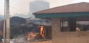 Soldiers burn houses in Ohafia, Abia over death of 7 soldiers by unknown gunmen (Photos)