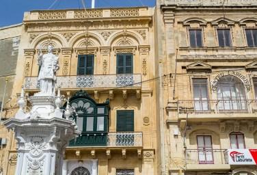 What to see in Malta: Beautiful buildings in Birgu
