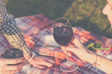 Learn about several frugal date night ideas. These tips will give you ideas for inexpensive date night for couples on a budget.