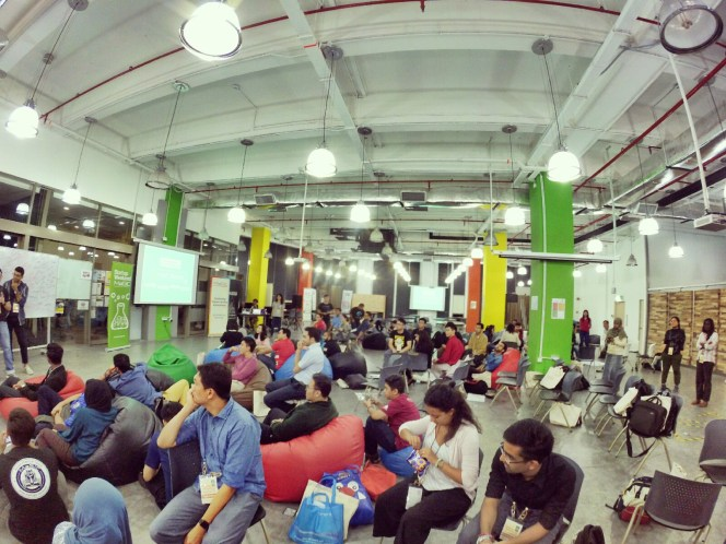 startup-weekend-at-magic-cyberjaya-malaysia-powered-by-google-for-entrepreneurs-social-enterprise-edition-raymond-ong-and-effye-ang-effye-media-online-advertising-a06
