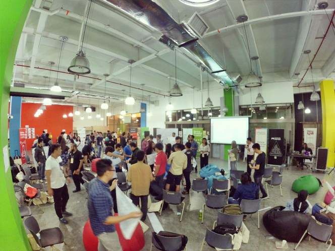 startup-weekend-at-magic-cyberjaya-malaysia-powered-by-google-for-entrepreneurs-social-enterprise-edition-raymond-ong-and-effye-ang-effye-media-online-advertising-a09