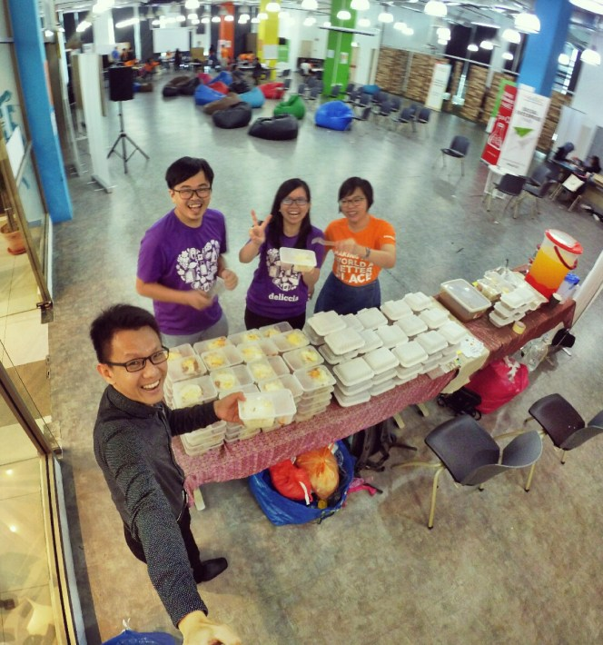 startup-weekend-at-magic-cyberjaya-malaysia-powered-by-google-for-entrepreneurs-social-enterprise-edition-raymond-ong-and-effye-ang-effye-media-online-advertising-b05