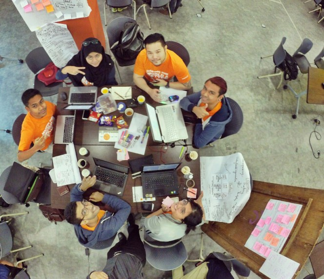 startup-weekend-at-magic-cyberjaya-malaysia-powered-by-google-for-entrepreneurs-social-enterprise-edition-raymond-ong-and-effye-ang-effye-media-online-advertising-b15