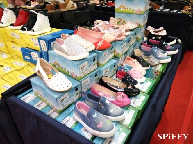 Fashion Shoes Sales Affordable Shoes Red Modani Store at Subang Parade Subang Jaya Selangor Malaysia Spiffy Fasshion Shoes Season Clearance Stock Spiffy Fair A10