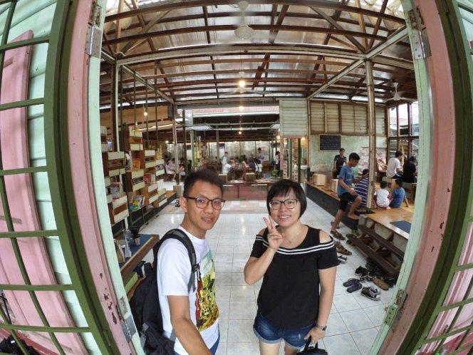 长颈鹿图书馆 蕉赖 雪兰莪 马来西亚 文艺咖啡厅图书馆 Little Giraffe Book Club Balakong 43200 Batu 9 Cheras Selangor Malaysia Art Cafe Library A08