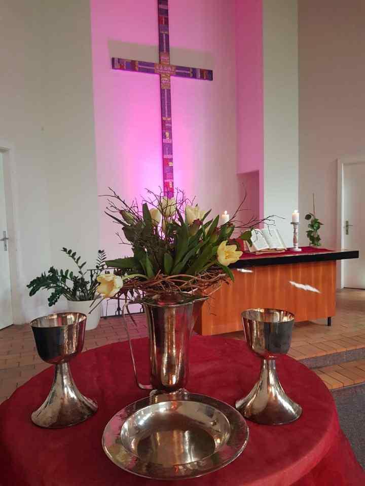 Abendmahl im Gemeindesaal