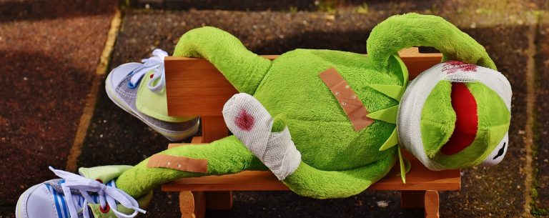 kermit, first aid, injured