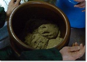 throwing-balls-into-fermentation-vessel