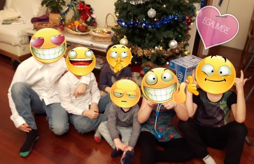 Magie de Noël et enfants réunis - Egalimère
