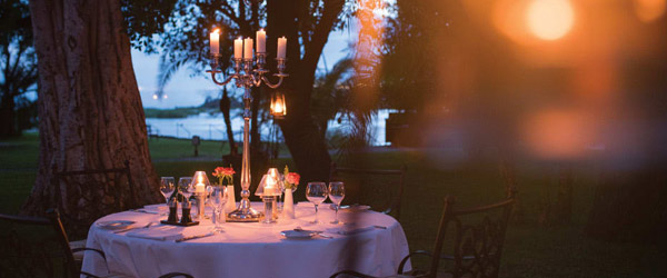 UNFORGETTABLE DINING AT VICTORIA FALLS