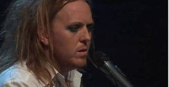 Tim Minchin White Wine in the Sun Christmas Carol