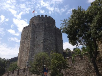 I was walking along the bosphorus today and I saw The Rumeli Fortress, decided to pay a visit to get some perspective.