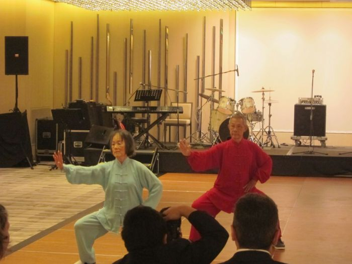 Lau Ee Rena and Lau Peo Shenton performed a Tai Chi demonstration (they were both in thier 70s)