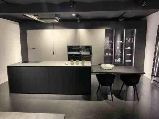 eggersmann factory tour luxury black and white kitchen display